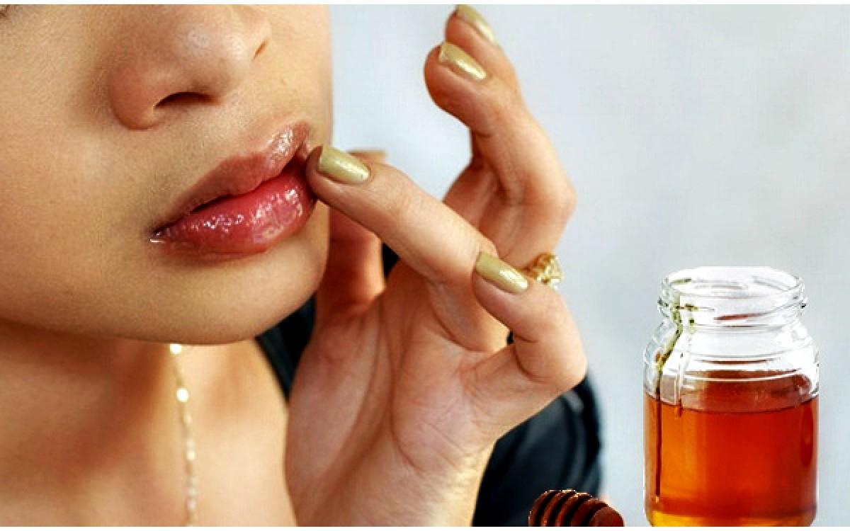 Cách làm đẹp da bằng mật ong chỉ sau một đêm